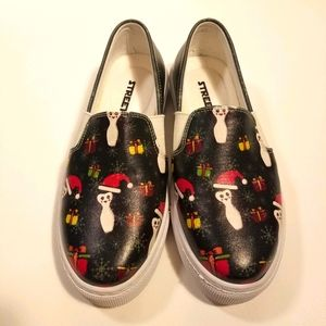 Streetfly sneakers penguins Christmas theme size 6